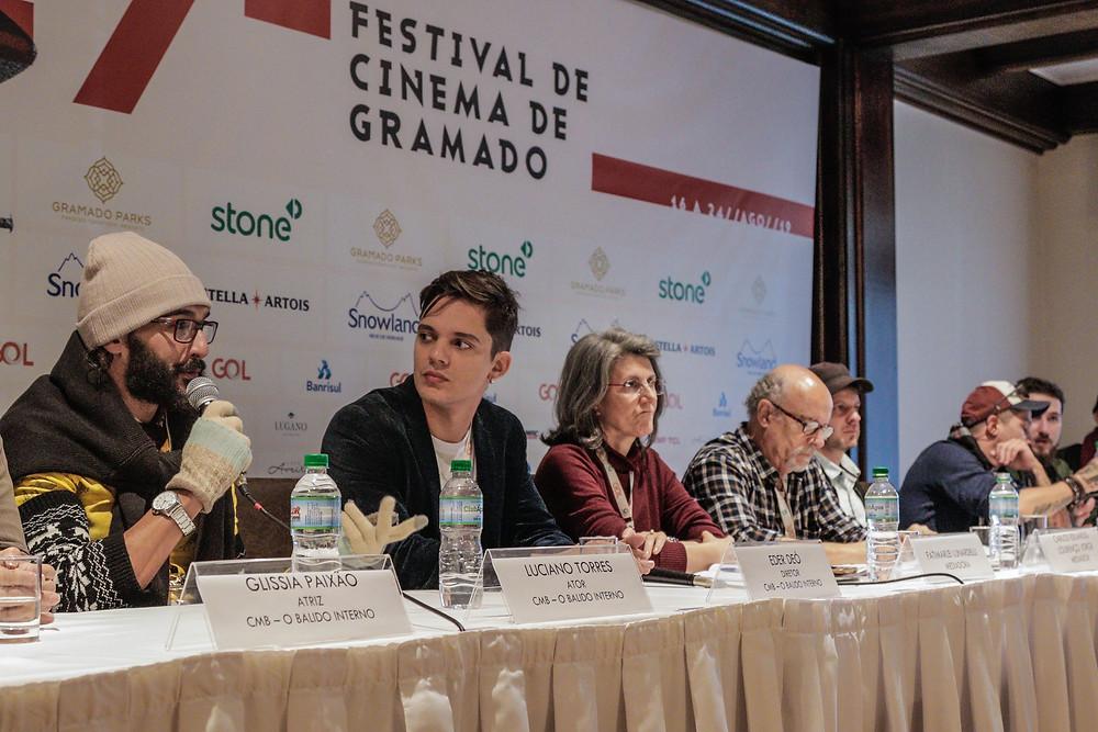 Eder, juntamente com elenco e equipe de O Balido Interno.