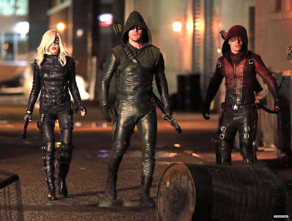 Arrow e sua equipe são presença constante nos becos da cidade.
