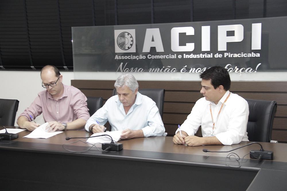 Assinatura do Convênio Acipi e MRV Piracicaba