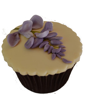 wisteria cupcake