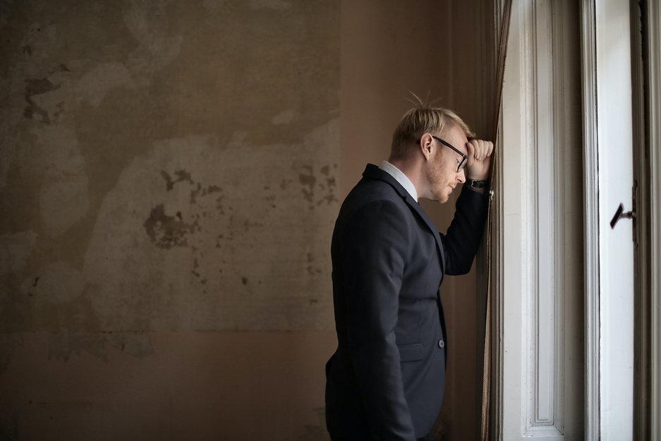 desperate-evicted-male-entrepreneur-stan