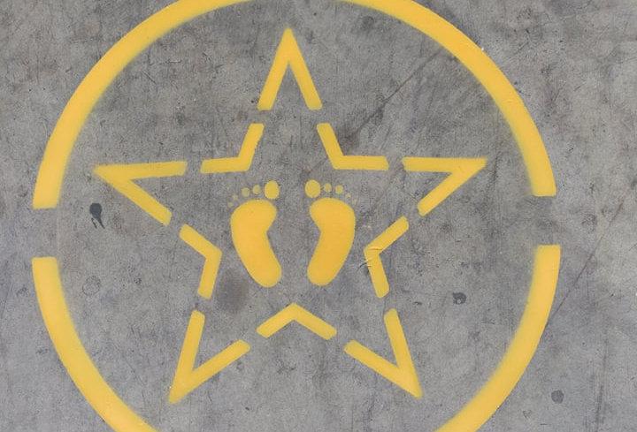 Star Feet Stencil
