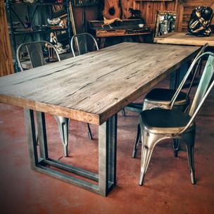 table-en-planche-de-coffrage-elegant-tab