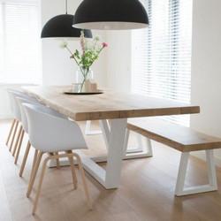 Table-cleopatre-live-edge-en-chene-franc