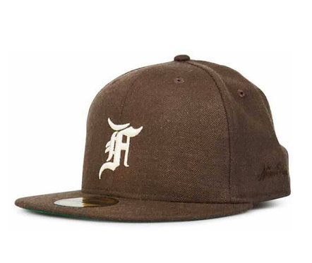 FEAR OF GOD ESSENTIALS NEW ERA FITTED CAP (FW20) BROWN/WHITE