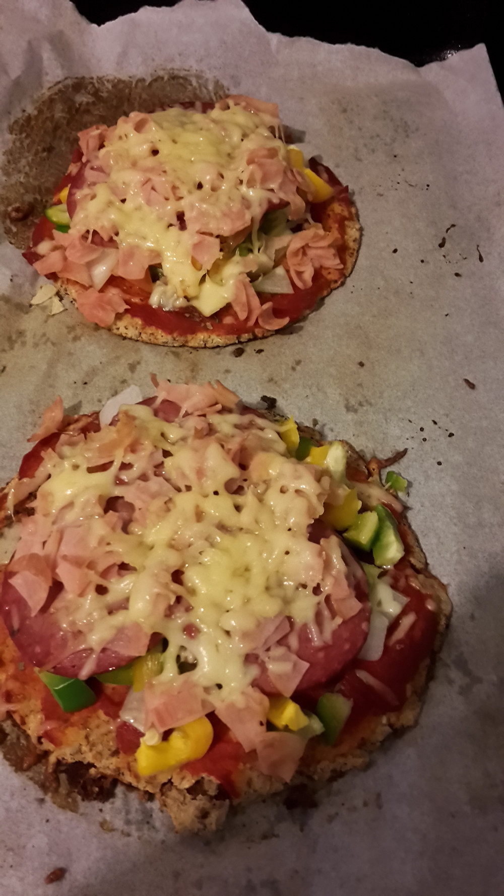 cauli pizza base 2_edited.jpg