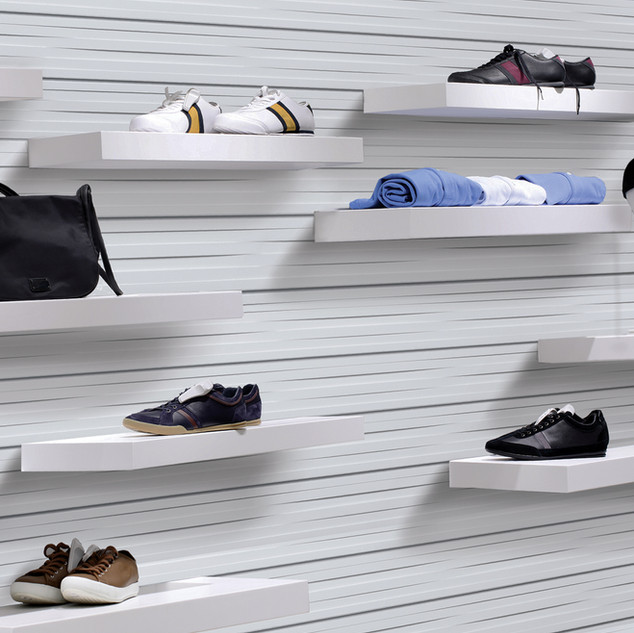 White Weave 3D Slatwall w magic shelves