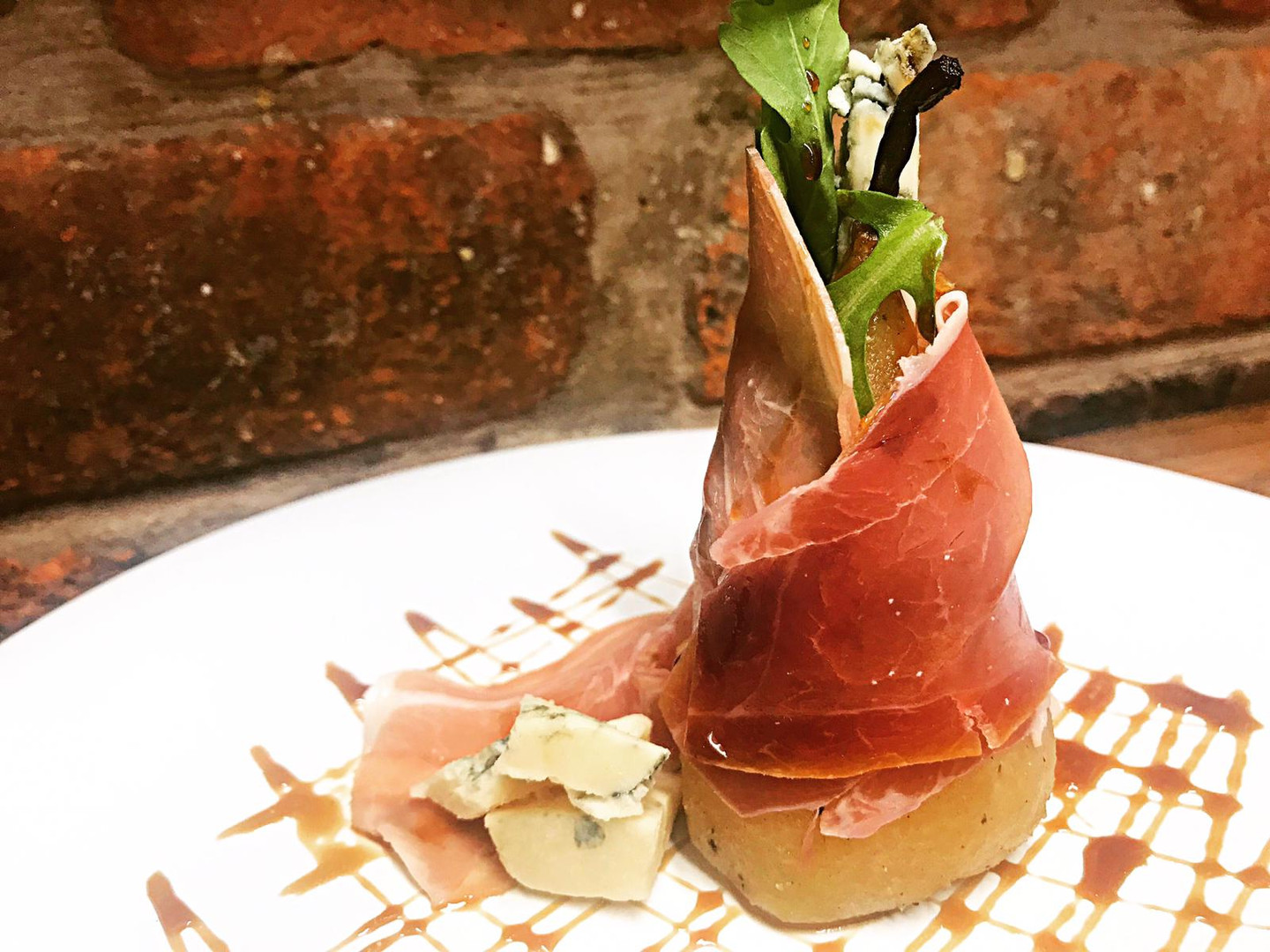 Honey-Roasted Pear & Parma Ham