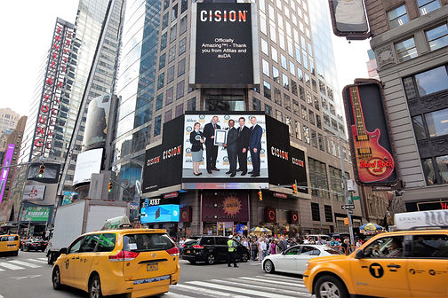 Afilias accepts Guinness World Record Times Square photo