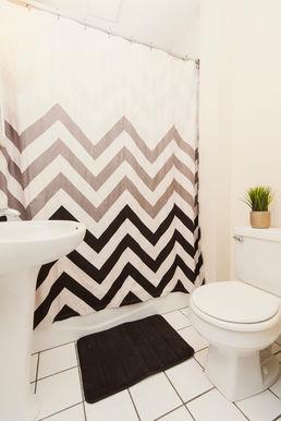12-bathroomjpg