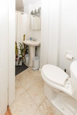 11-bathroom-1jpg