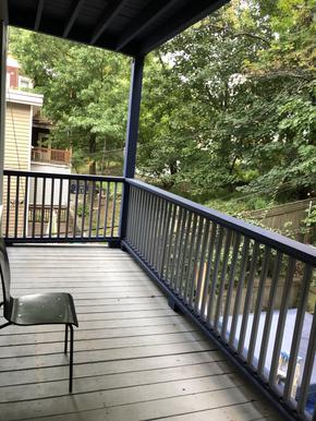 09-balconyheic