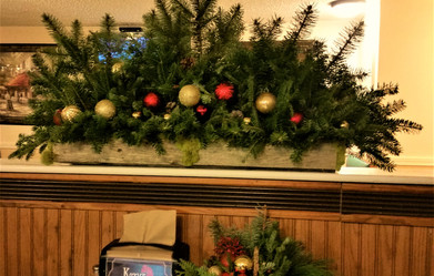 Kozy's Pub Holiday Decor