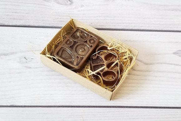 Подарочный набор Стимпанк из фигурного мыла ручной работы; Шестерёнки; кастет; Творческий клуб Мастерская подарков