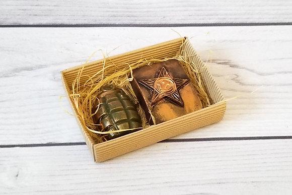 Подарочный набор Солдат удачи из фигурного мыла ручной работы: Армейская бляшка; граната; Творческий клуб Мастерская подарков
