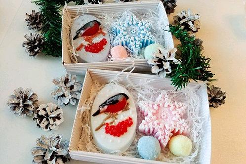 набор на новый год из мыла снежинка снегирь и сахарные скрабики