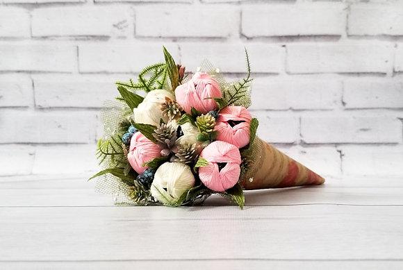 Букет цветов с конфетами Москва ТК Мастерская подарков