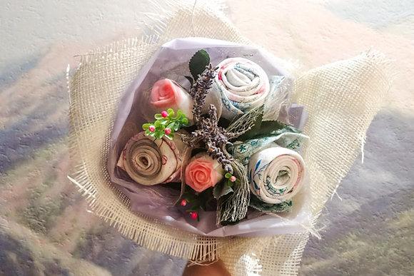 """Букет из мыла """"Розы с полотенцами"""""""