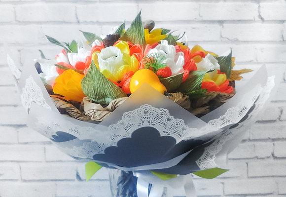 Букет с конфетами Осеннее солнце. Желтые цветы, оранжевые цветы