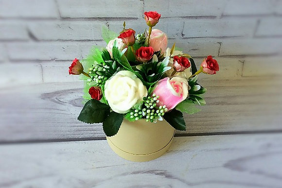 Букеты из мыла ручной работы, в наличии и на заказ, оригинальный подарок на праздник, букет роз в шляпной коробке