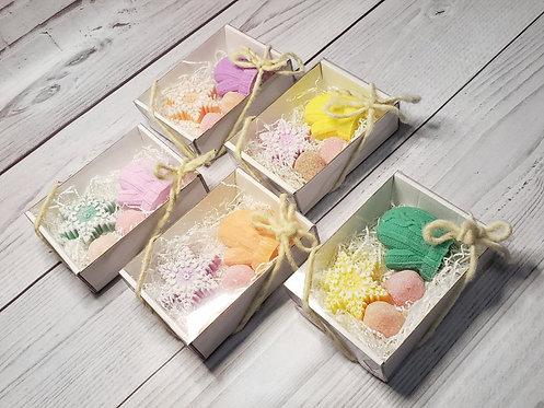 новогодний подарочный набор снежинка варежка и сахарные скрабики