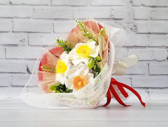 Букет цветов из мыла с тремя нарциссами Вариант 1 вид 1