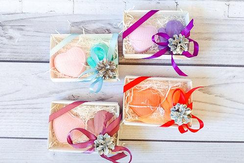 сердце и варежка новогодний подарочный набор из мыла