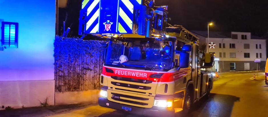 ADL : Brand Fahrzeug in Tiefgarage Wald