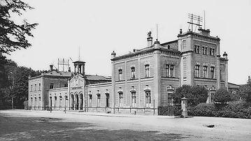 Bahnhofsgebäude_3.jpg