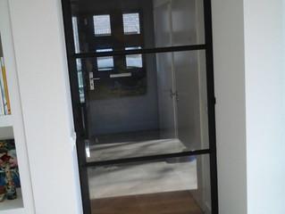 stalen binnen kozijn met deur, van ontwerp tot realisatie.