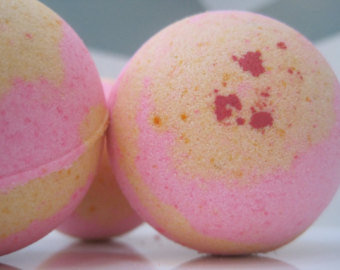 Pink Grapefruit Bath Bomb