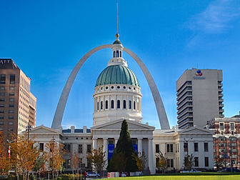 The Old Courthouse & Gateway Arch -STL