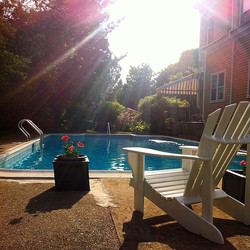 The pool is ready whenever Mother Nature decides to be!! #waysideguesthouse #almostsummer #newport #