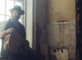 """Lee Brice's New Single - """"One of Them Girls"""""""