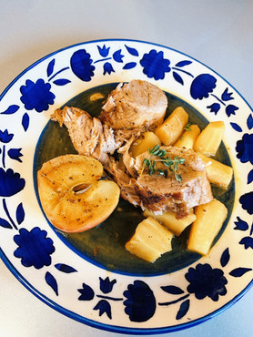Pork stew with mapple syrup, apples and parnsip.