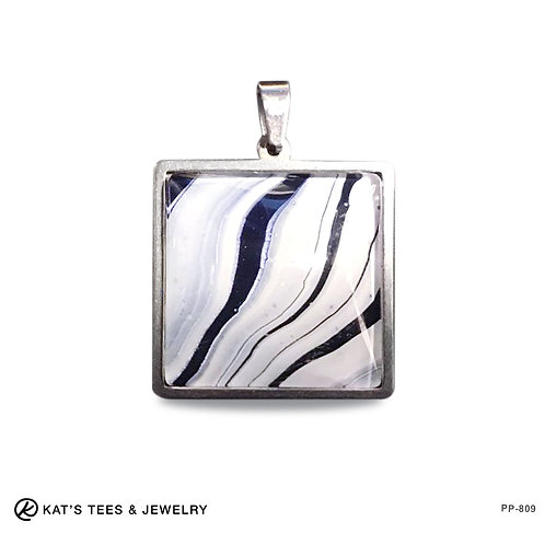 Small stainless steel pendant