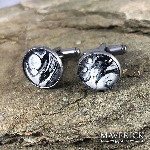 Unusual artistic stainless steel cufflinks in black and white