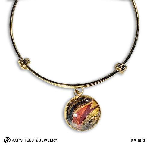 Tiger eye charm bracelet in gold stainless steel