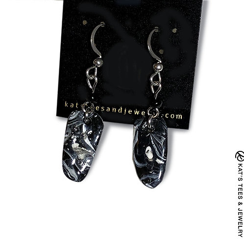 Small slate earrings in black and white