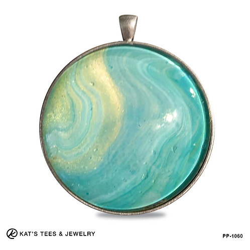 Large and shimmery turquoise tones with touches of metallic gold