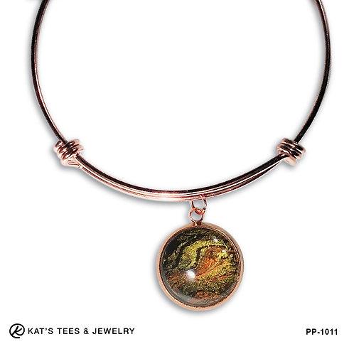 Tiger eye charm bracelet in rose gold stainless steel