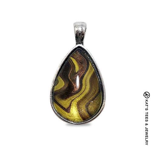 Beautiful teardrop pendant with tiger eye art