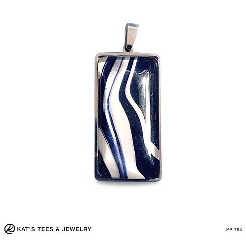 Stainless steel pendant in navy silver and white
