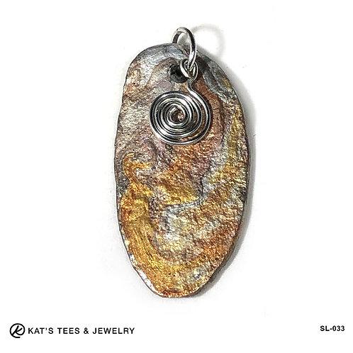 Eye-catching slate pendant in earthtone metallics