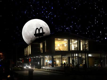 McDonald's participa de la Hora del Planeta 2021apagando las luces de sus restaurantes