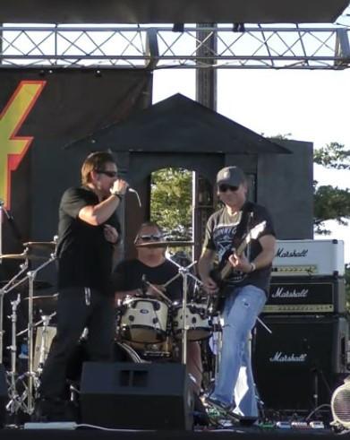 Band 4 - Piazza 6-4-21a.jpg