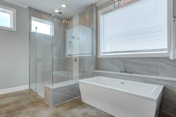 Clearwater Landing Master Bathroom