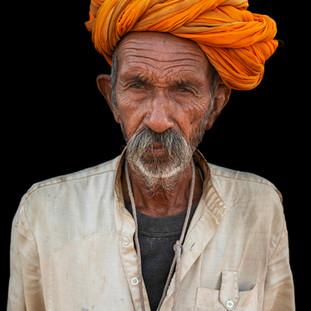 عيسى إبراهيم يحصد جائزة مسابقة «Life Press photo»