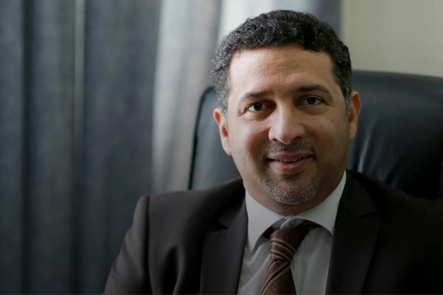 د. نادر كاظم كاتب وأكاديمي بحريني