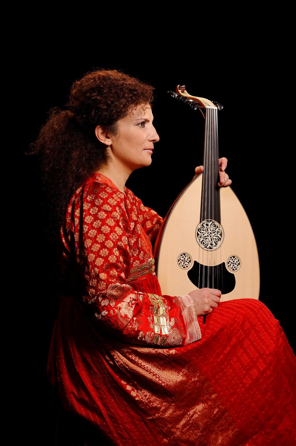 وعد بوحسون مواليد (1979) ملحنة ومغنية وعازفة عود سورية من جبل العرب